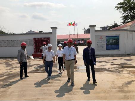 刚果国家电视台对援刚果(布)新议会大厦项目进行报道