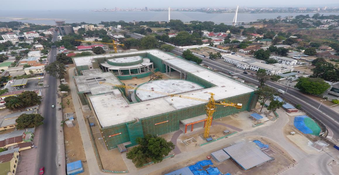 援刚果(布)新议会大厦项目顺利通过中期验收