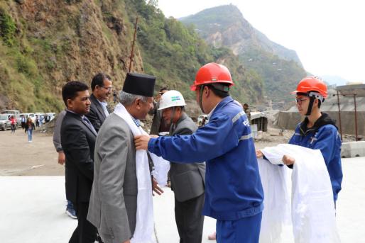 尼泊尔政府代表到访边检站项目