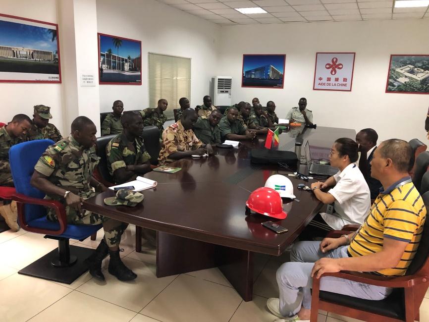 刚果共和国工程学院学员军官参观学习报道
